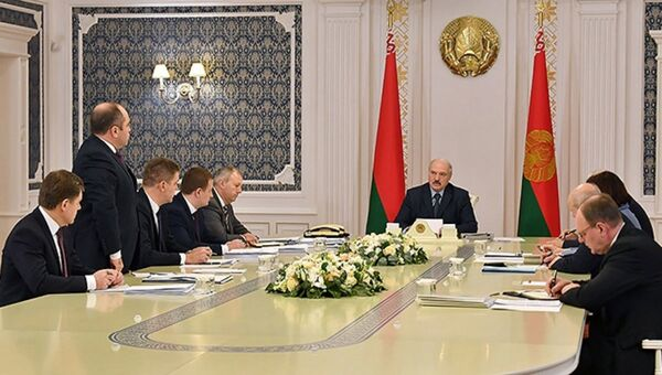 Президент Александр Лукашенко провел совещание советом министров  - Sputnik Беларусь