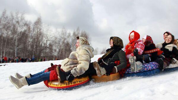 Як будзем адпачываць на Новы год: ці стане 2 студзеня выхадным, скажа Саўмін - Sputnik Беларусь