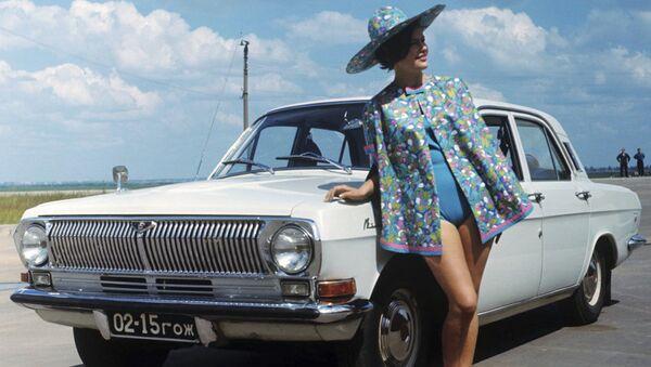 Реклама советского автомобиля ГАЗ-24 Волга - Sputnik Беларусь
