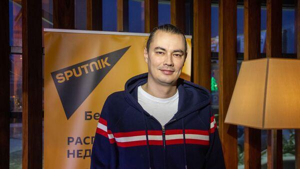 Режиссер сценарной группы фильма Елки последние Жора Крыжовников - Sputnik Беларусь