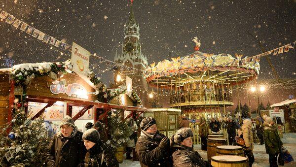 Небо в звездах: фантастическое преображение Москвы на Новый год - Sputnik Беларусь