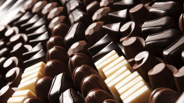 Шоколадные конфеты, архивное фото - Sputnik Беларусь
