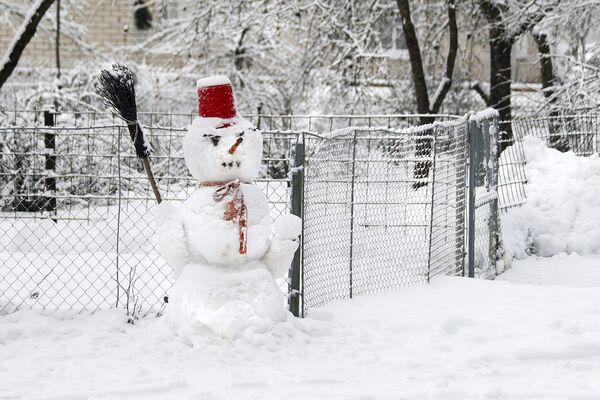 Калі атрымалася зляпіць снегавіка, значыць зіма ўдалася. - Sputnik Беларусь