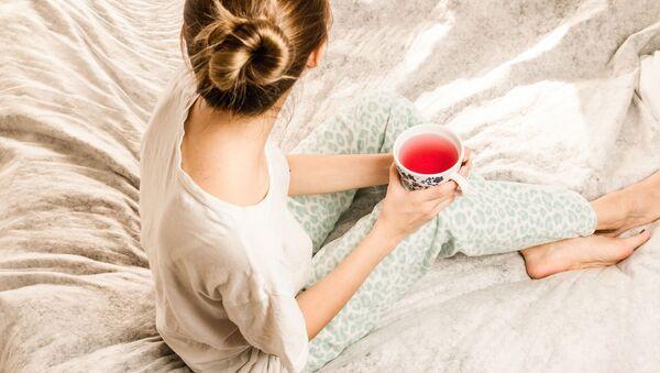 Девушка с чаем, архивное фото - Sputnik Беларусь