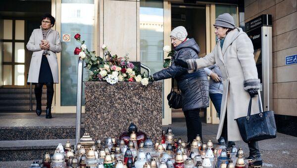 Цветы у здания мэрии Гданьска - Sputnik Беларусь