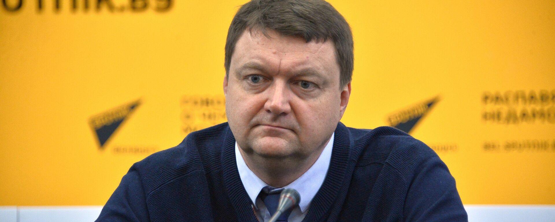 Начальник отдела по развитию олимпийского движения НОК Республики Беларусь Дмитрий Довгаленок - Sputnik Беларусь, 1920, 23.06.2021