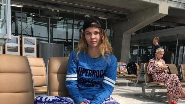 Анастасия Вашукевич (Настя Рыбка) в аэропорту Суварнабхуми в Бангкоке - Sputnik Беларусь