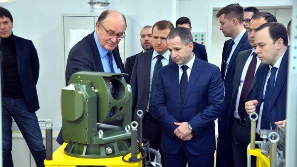Посол Михаил Бабич на ОАО Пеленг - Sputnik Беларусь
