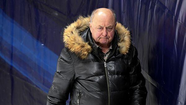Трэнер Аляксей Мішын падчас трэніроўкі спартсменаў - Sputnik Беларусь