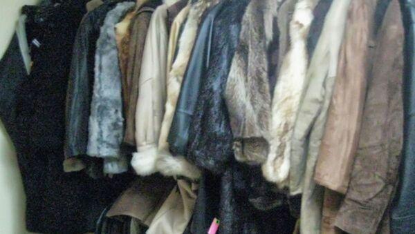 Факты незаконной реализации партии одежды из меха и кожи выявили могилевские таможенники - Sputnik Беларусь