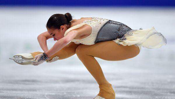 Алина Загитова (Россия) выступает в короткой программе женского одиночного катания - Sputnik Беларусь
