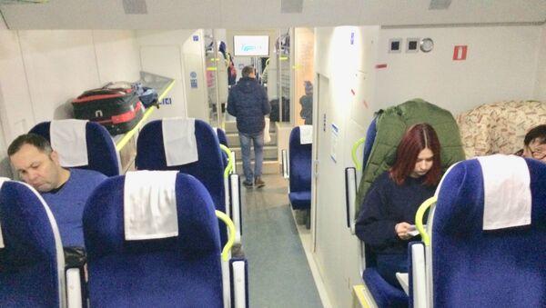 На новом (и пока самом быстром) поезде в столицу можно доехать за четыре часа - Sputnik Беларусь