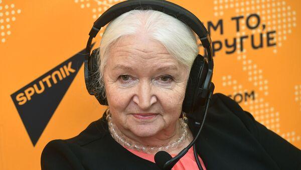 Бегла бы ў жаху: Чарнігаўская пра тое, чаму трэба і не трэба вучыць дзяцей - Sputnik Беларусь