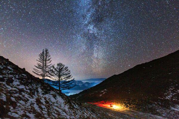 Млечны шлях у даліне ракі Анга, якая ўпадае ў возера Байкал. - Sputnik Беларусь