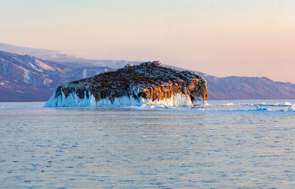 У Малым мора знаходзіцца мноства выспаў: Іжылхей, Замагой, Агой, Ольтрак, Хібін і іншыя. - Sputnik Беларусь