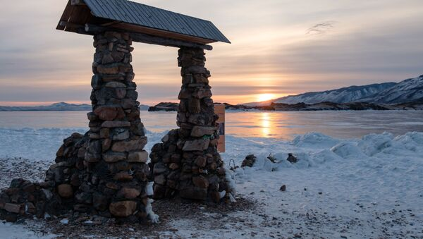 Захад сонца на мысе Уюга ў раёне возера Байкал - Sputnik Беларусь