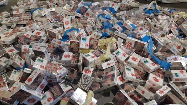 Контрабандные сигареты - Sputnik Беларусь