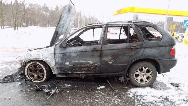 Сгоревшая машина - Sputnik Беларусь