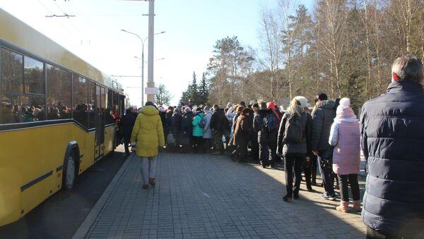 Очередь на автобус - Sputnik Беларусь