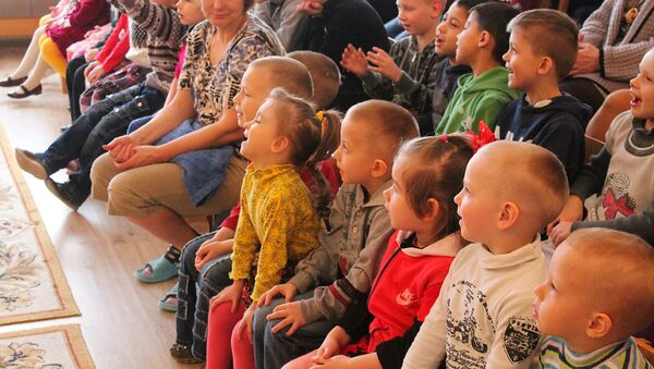 Маленьких детей обучают Правилам дорожного движения - Sputnik Беларусь
