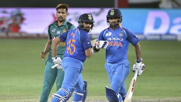 Игроки сборных Индии и Пакистана по крикету - Sputnik Беларусь