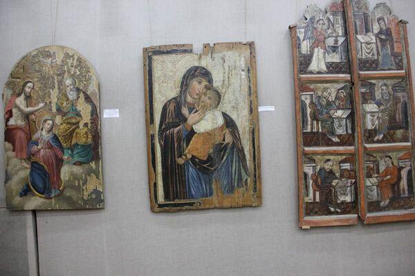 Абраз Маці Божая замілаванне - самы стары з датаваных абразоў у калекцыі музея. Створаны ён ў 1644 годзе.  - Sputnik Беларусь