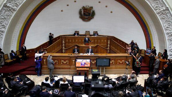 Венесуэльский лидер оппозиции Хуан Гуайдо принимает участие в заседании Национального собрания в Каракасе - Sputnik Беларусь