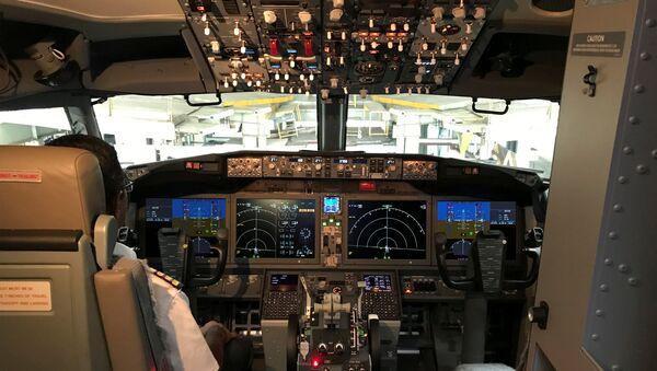 Кабина самолета Boeing 737 Max 8 - Sputnik Беларусь