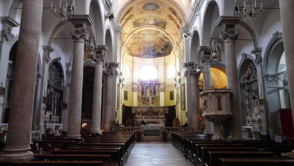 Церковь Святой Марии Магдалины в Лигурии, где хранится оригинал картины Питера Брейгеля-младшего - Sputnik Беларусь