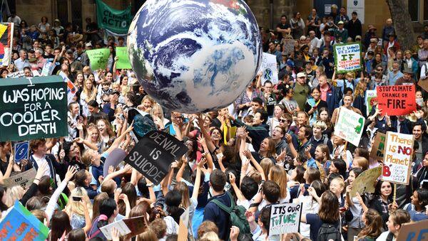 Школьники принимают участие в глобальном шествии #ClimateStrike в Сиднее, Австралия - Sputnik Беларусь