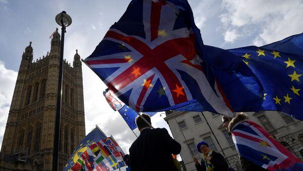 Флаги Великобритании и Евросоюза - Sputnik Беларусь