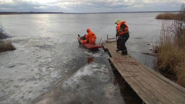 В Верхнедвинском районе под лед провалился мужчина - Sputnik Беларусь