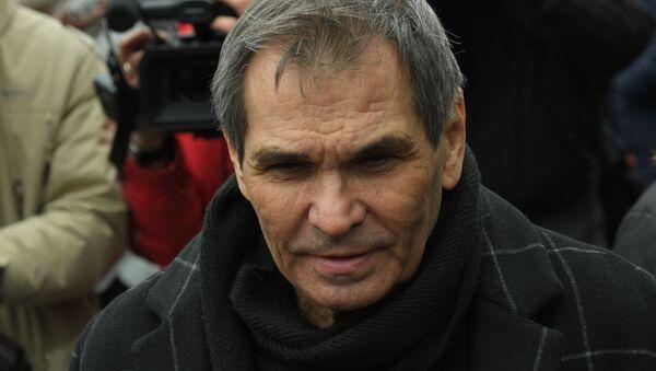 Продюсер Бари Алибасов пришел на похороны Юлии Началовой - Sputnik Беларусь