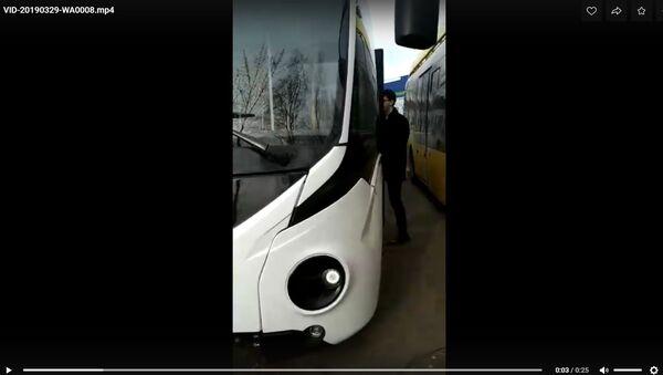 Видеофакт: Белкоммунмаш показал первый праворульный электробус - Sputnik Беларусь