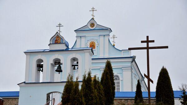 Однажды отец Георгий, тогда еще просто Юрий, зашел в храм, чтобы задать вопросы, которые его волновали, и это перевернуло его жизнь - Sputnik Беларусь