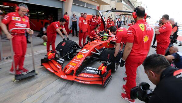Мик Шумахер за рулем Ferrari в Бахрейне - Sputnik Беларусь