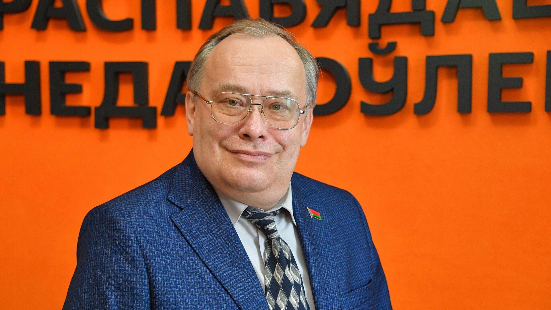 Политический эксперт Николай Межевич - Sputnik Беларусь, 1920, 24.02.2021