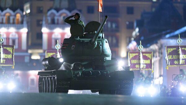 Танк Т-34-85 на рэпетыцыі параду ў Маскве, архіўнае фота - Sputnik Беларусь