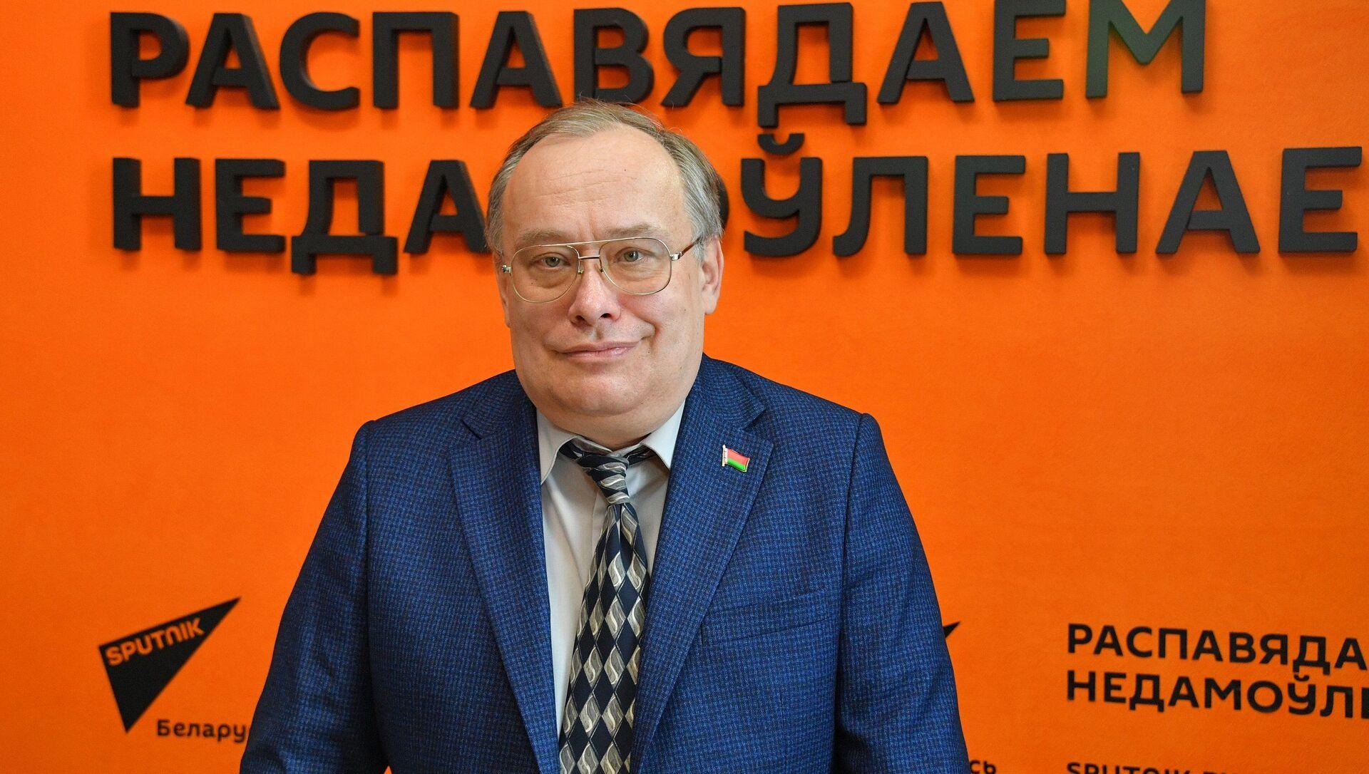 Политический и экономический эксперт Николай Межевич - Sputnik Беларусь, 1920, 19.04.2021