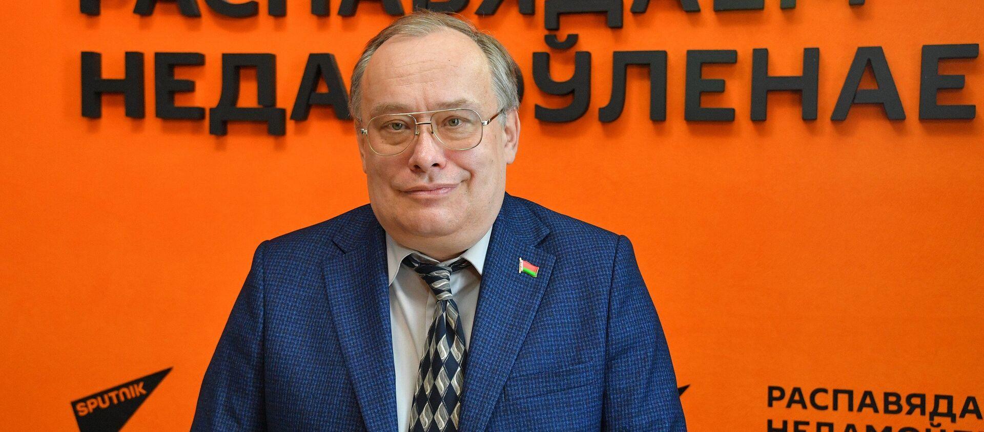 Политический и экономический эксперт Николай Межевич - Sputnik Беларусь, 1920, 07.04.2021