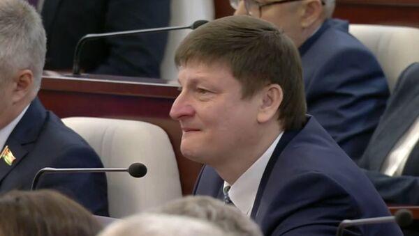 Расчулены дэпутат Марзалюк стаў улюбёнцам сацыяльных сетак – відэа - Sputnik Беларусь