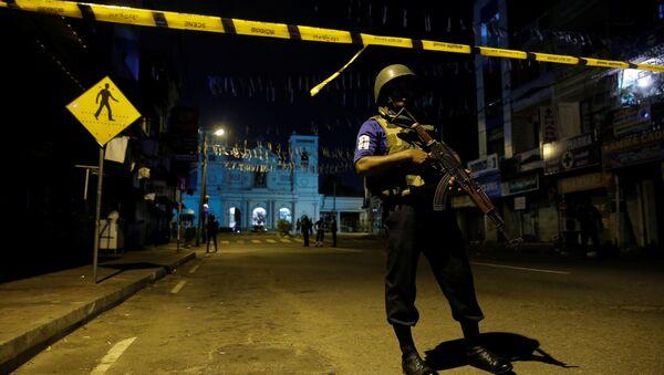 Полиция Шри-Ланки на месте взрыва - Sputnik Беларусь