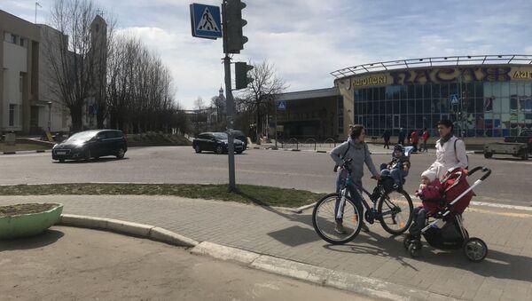 Все больше молодых семей решаются перебраться из Минска в Логойск - Sputnik Беларусь