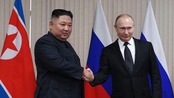 Президент России Владимир Путин встретился с лидером КНДР Ким Чен Ыном - Sputnik Беларусь