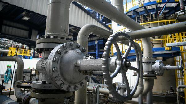 Нефтеперерабатывающий завод, архивное фото - Sputnik Беларусь