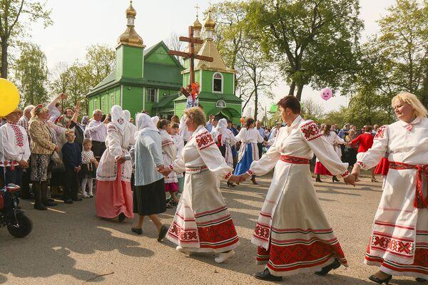 Гэты прыгожы танец завяршыў светлае свята Уваскрасення Хрыстова.  - Sputnik Беларусь