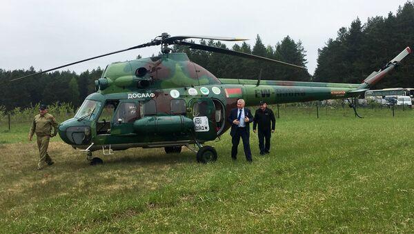 Космонавт, уроженец Беларуси и герой России приземлился в лесу на берегу озера Нарочь - Sputnik Беларусь