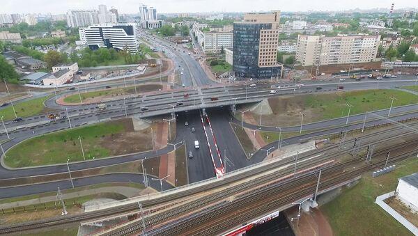 Новую автомобильную развязку на проспекте Дзержинского открыли для движения автомобильного транспорта - Sputnik Беларусь