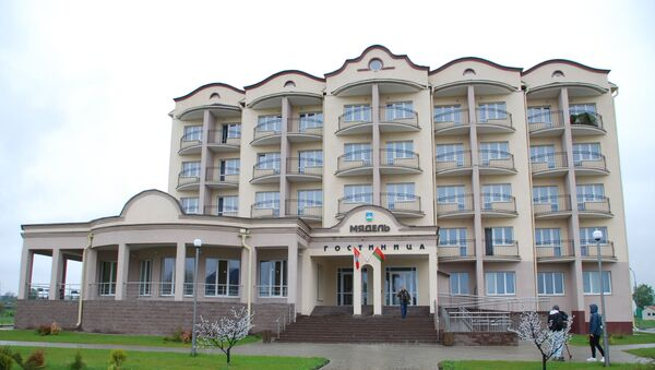 Новую гостиницу в Мяделе открыли осенью 2018 года к Дожинкам  - Sputnik Беларусь