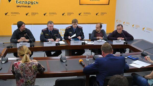 В МПЦ Sputnik прошел круглый стол, посвященный изменениям в правилах дорожного движения - Sputnik Беларусь